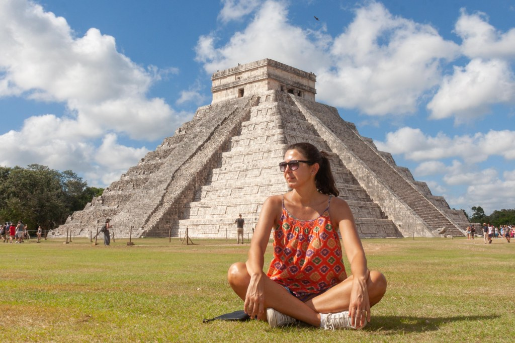 Mochilando pelo mundo: Letícia em Chichén Itzá, Yucatán, México